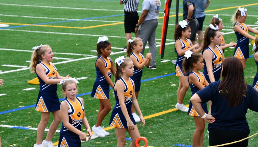 panther_football_cheer_0000s_0045_DSC_5392