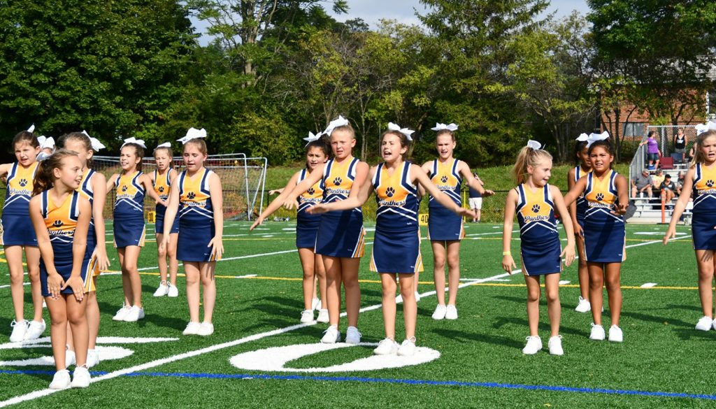 panther_football_cheer_0000s_0049_DSC_5148