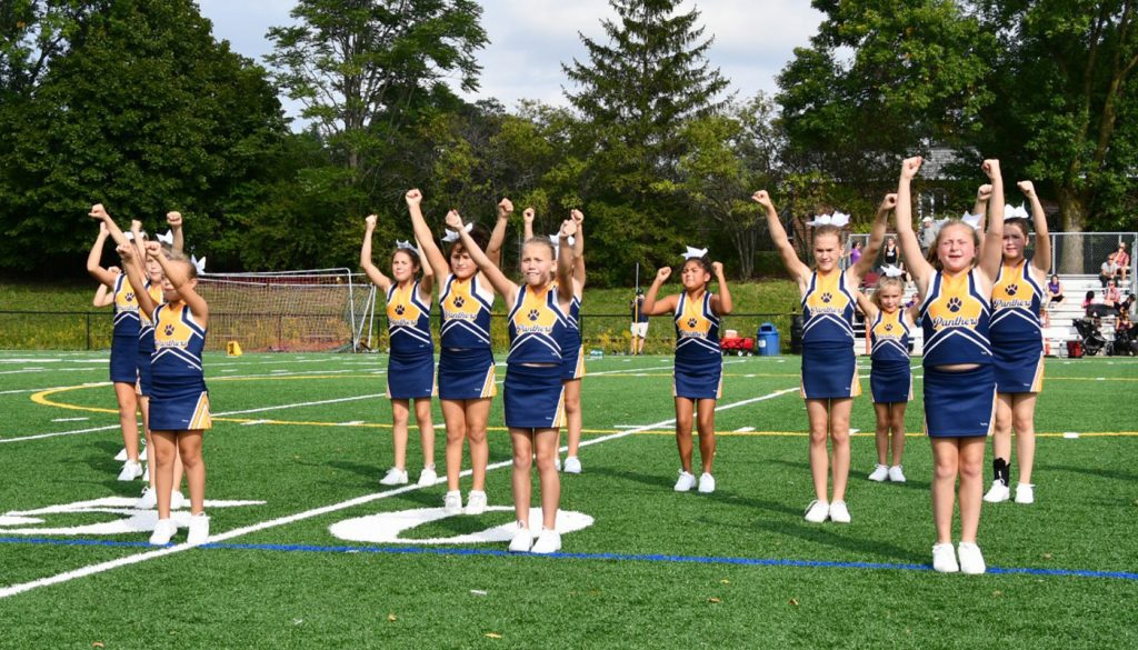 panther_football_cheer_0000s_0056_DSC_5129